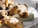 Рецепта Пържени патладжанови рулца пълнени с пушено сирене, извара и краставички